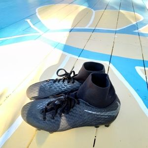 Nike hypervenom juniors cleats size 4.5Y